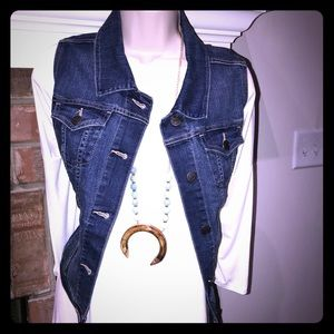 Tops - MUST HAVE!! Denim vest makes everything look hot!